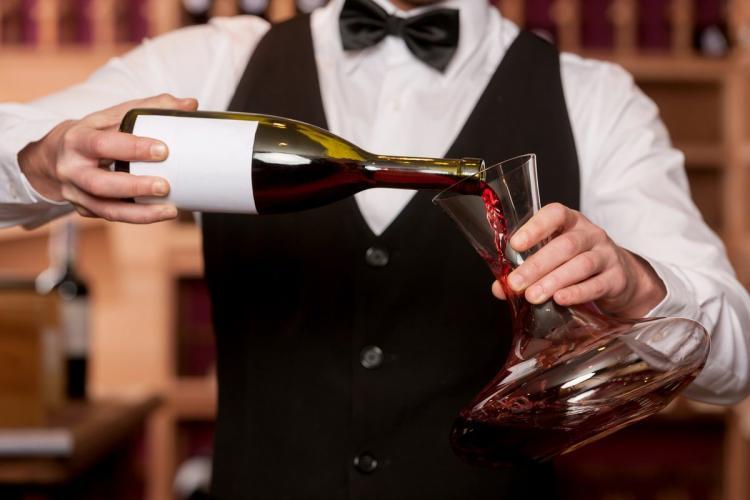 Как научиться различать оттенки в вине?