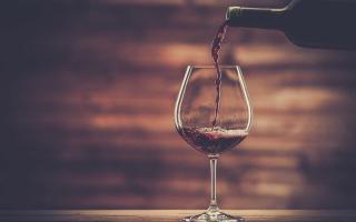 7 причин употреблять бокал красного вина ежедневно