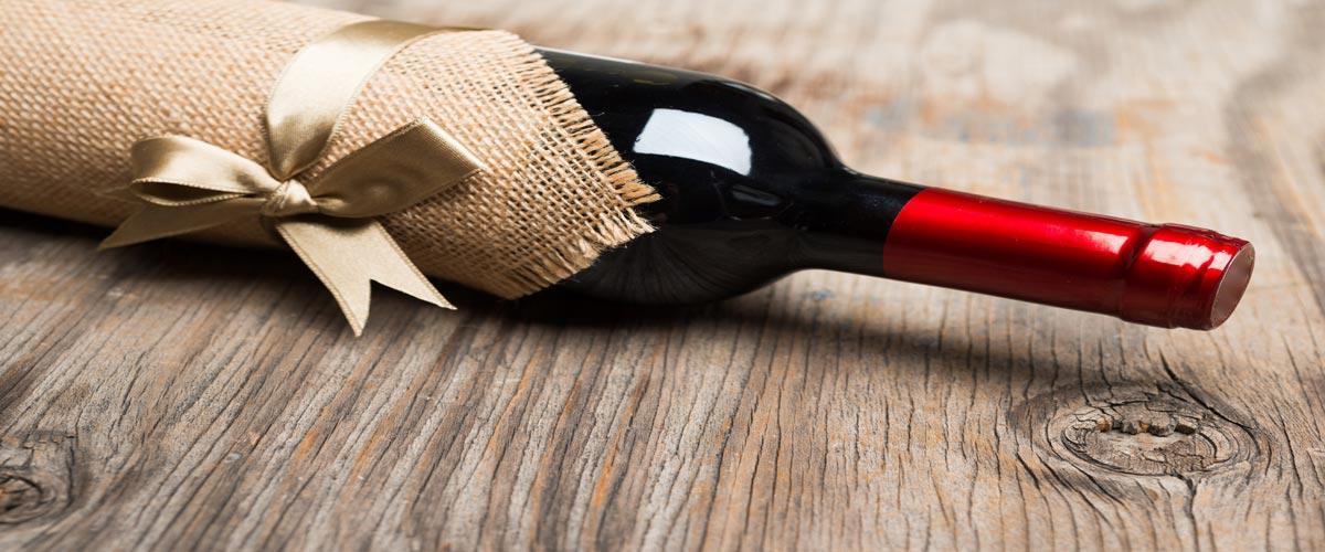 Вино в подарок – краткий экскурс по подбору презента